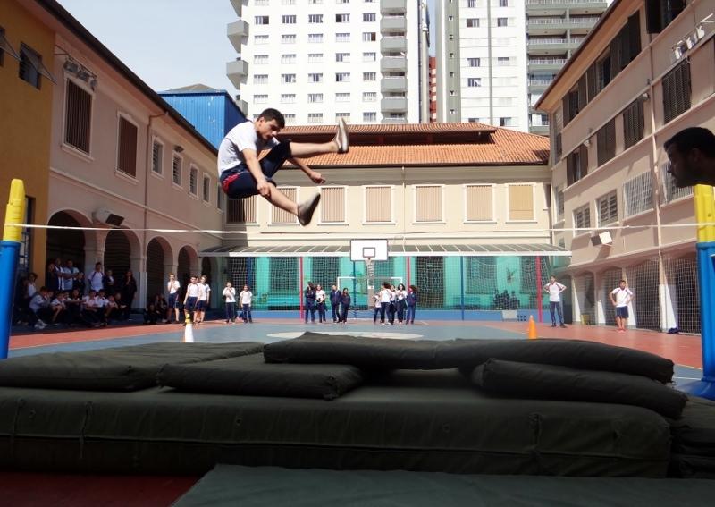 Competição de Salto em Altura