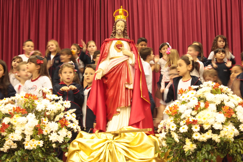 Coração de Jesus Rei e centro de todos os corações
