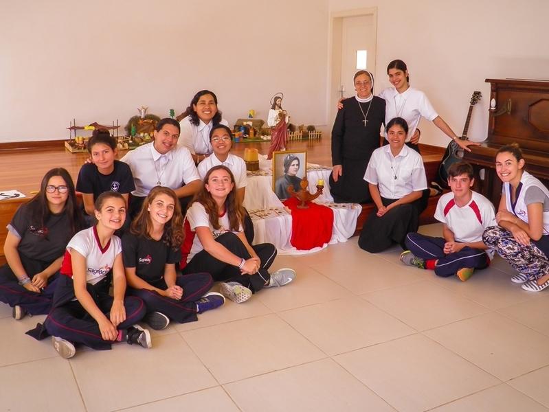 Postulantes realizam Catequese Cleliana na Escola São Domingos, Unidade Educacional do SAGRADO – Rede de Educação