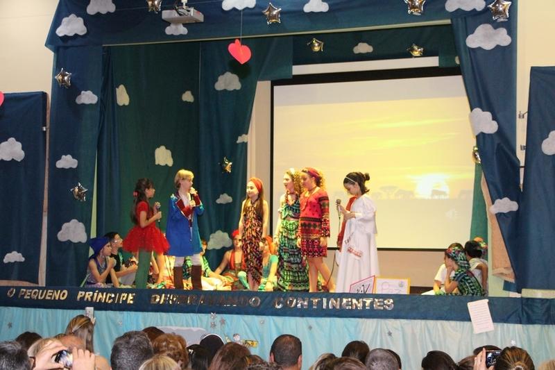Turmas do 5ºs anos apresentam projeto contando a história do Pequeno Príncipe
