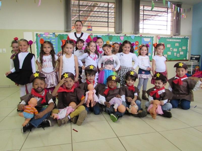 Festival Folclórico: Brasil em dança, prosa e verso