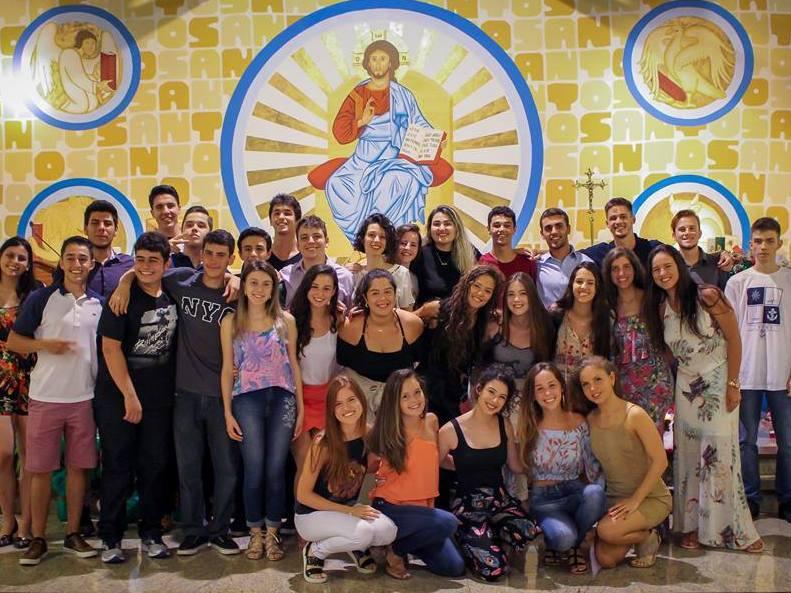 Unidade Educacional Escola São Domingos celebra a conclusão do Ensino Fundamental e Ensino Médio