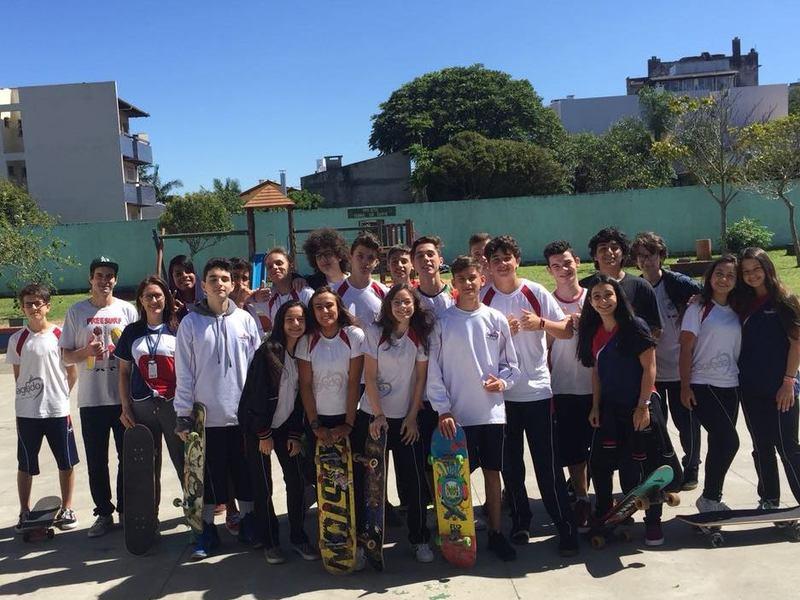 Unidade Educacional Escola São Domingos participa de atividade de skate