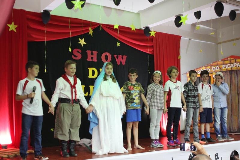 Show de Talentos encerra ano letivo 2017