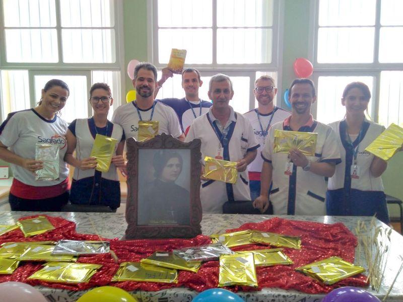 Unidade Educacional Escola São Domingos celebra o aniversário de Madre Clélia
