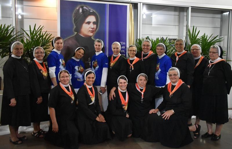 Colégio Sagrado homenageia sua fundadora Madre Clélia Merloni