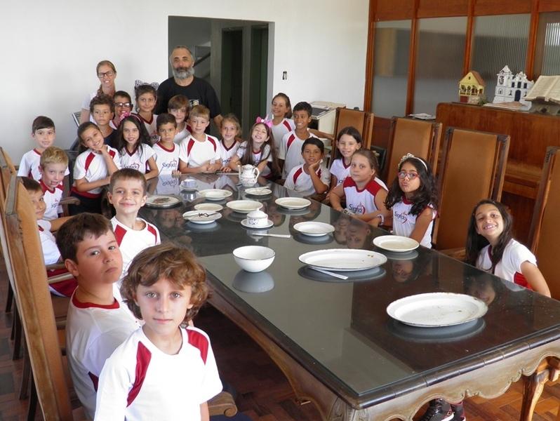 Educandos realizam visita à Casa de Cultura de Torres - RS