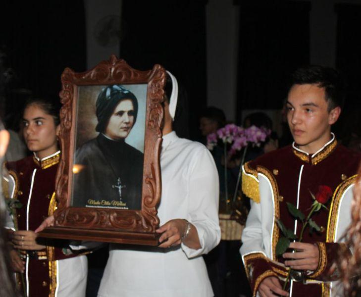 Colégio Social Madre Clélia realiza celebração de preparação para a Páscoa