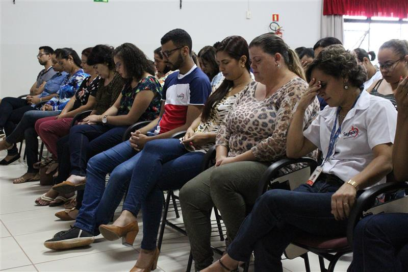 Educadores da Escola Social Clélia Merloni celebram a Páscoa de Jesus