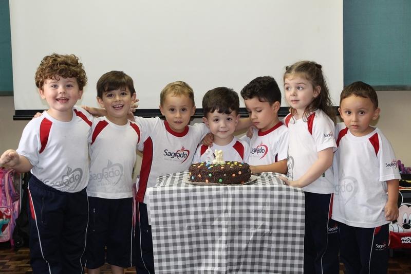 Turmas da Educação Infantil comemoram os aniversariantes do mês de Março