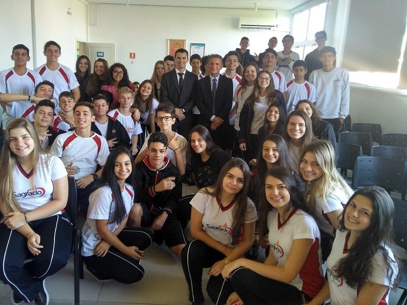 """Unidade Educacional Escola São Domingos Recebe o Projeto """"OAB vai à escola"""""""