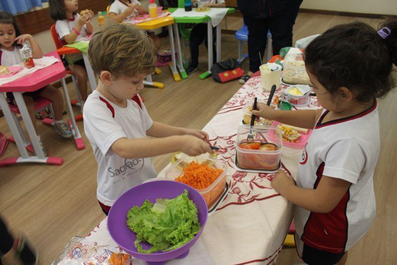 Uma alimentação saudável começa na infância