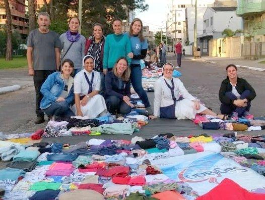 Termômetro da Solidariedade aquece os corações na Unidade Educacional Escola São Domingos