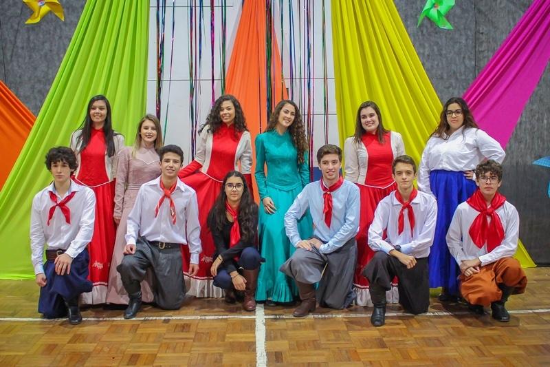 Festival Folclórico movimenta Unidade Educacional Escola São Domingos