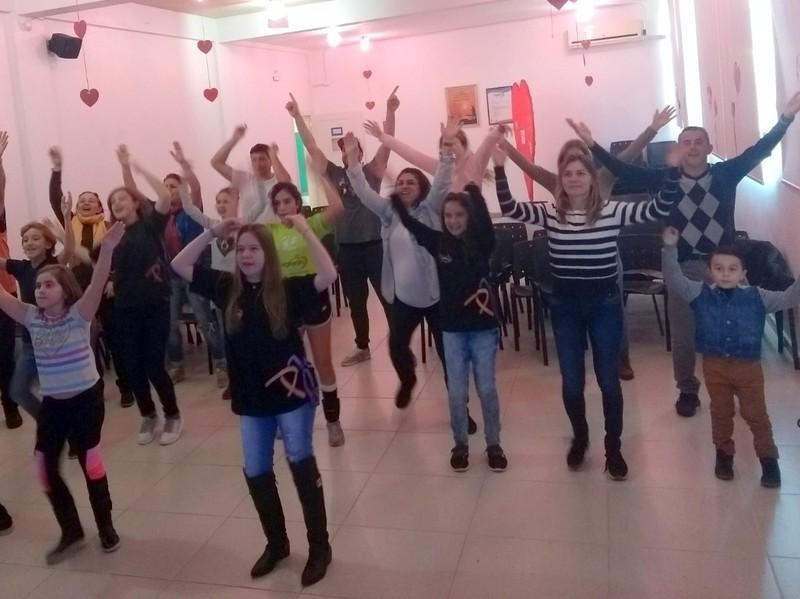 Unidade Educacional Escola São Domingos realiza encontro para as famílias da Pastoral Juvenil Cleliana - PJC