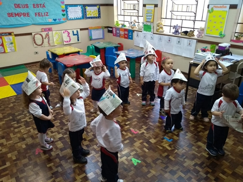 Aprendendo e cantando no Infantil II