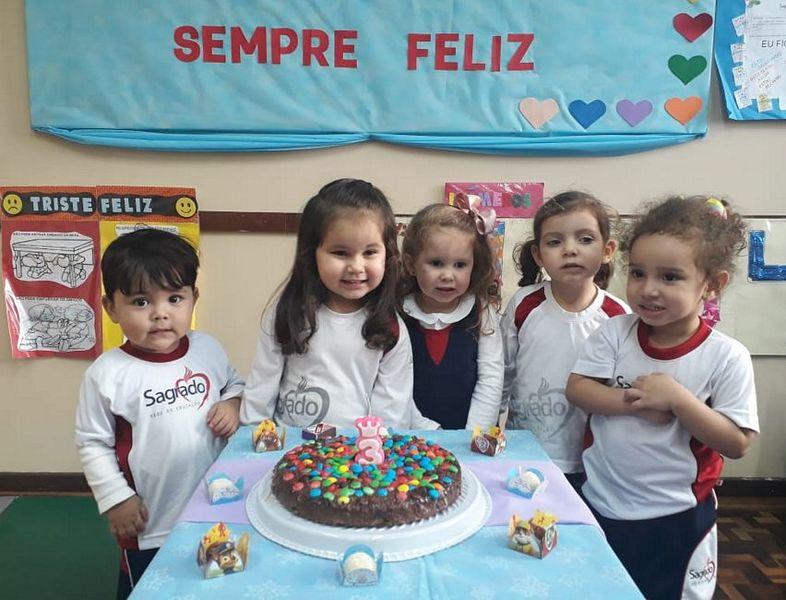 Turmas da Educação Infantil comemoram os aniversariantes do mês de Junho