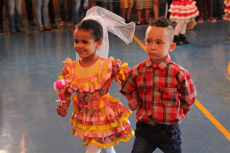 Escola Social Clélia Merloni, realiza no dia 08 de julho, seu XI Festival Folclórico