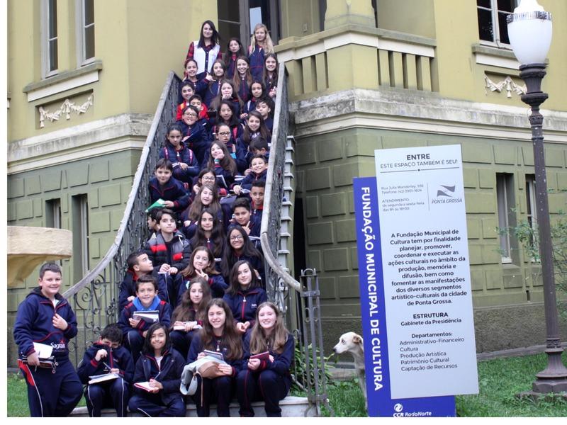 A interdisciplinaridade na escola: educandos dos 6º anos visitam a Mansão Vila Hilda e a Catedral Sant'Ana