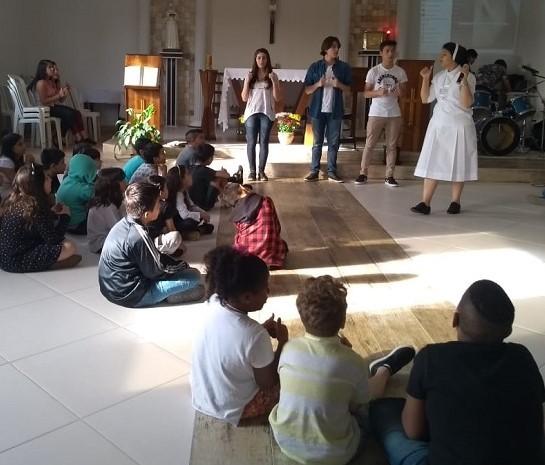 Retorno à comunidade de Missão, Santa Monica/ Piraquara