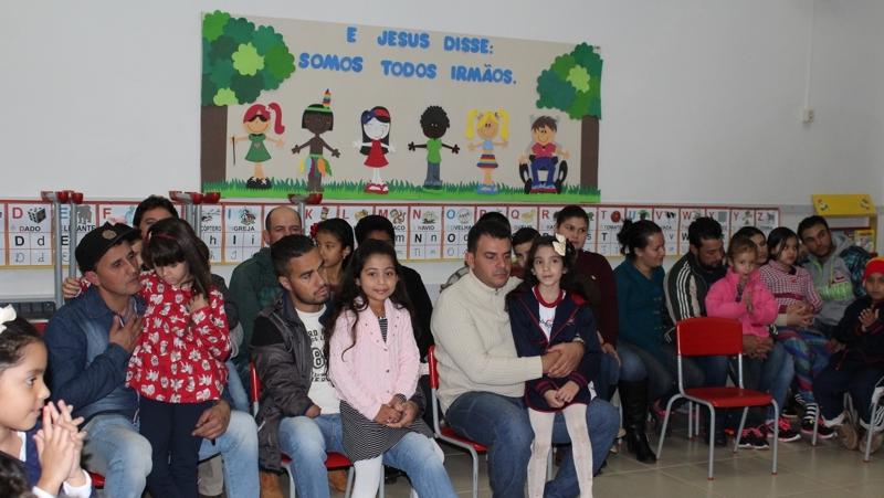 Homenagem aos Pais na Escola Clélia Merloni