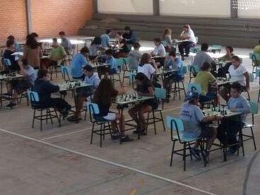 Unidade Educacional Escola São Domingos participa do Jogos Escolares de Torres - JET -  na modalidade Xadrez