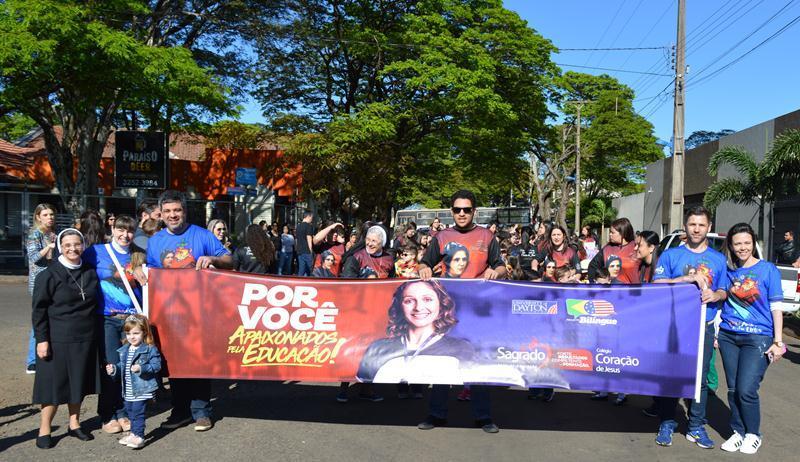 Desfile Cívico em Nova Esperança