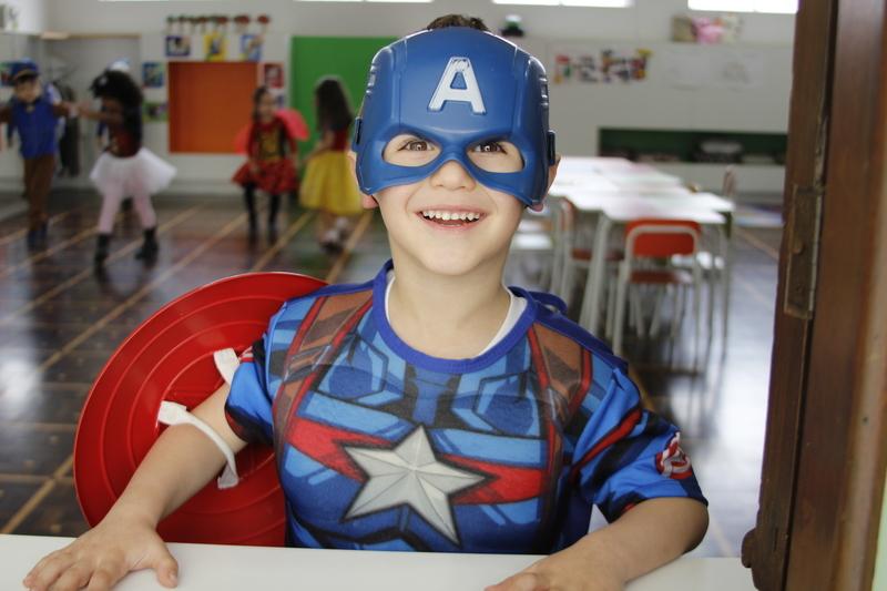 URGENTE: Super-heróis invadem Colégio Sagrado Coração de Jesus, em Curitiba