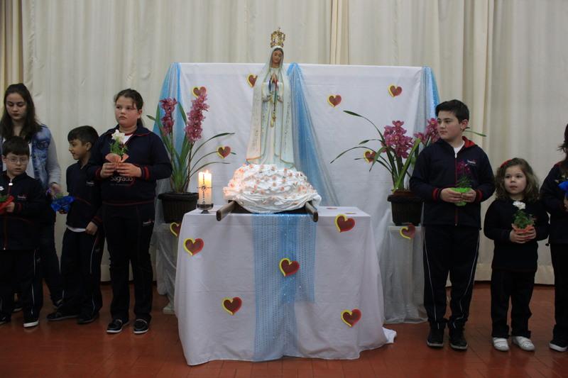 Visita de Nossa Senhora de Fátima no Colégio Mater Amabilis