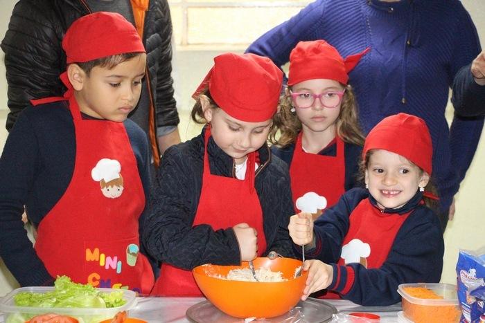 """Dia do Sanduíche no Projeto """"Na Escola com o Chef"""""""