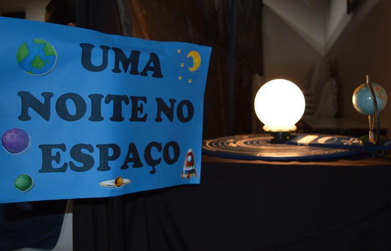 Uma Noite no Espaço