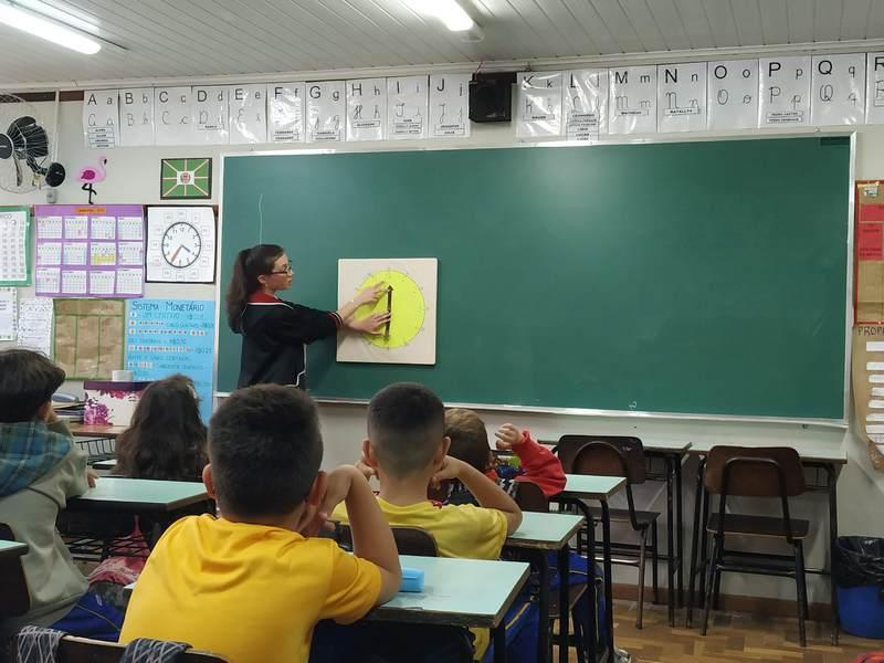 Educandos da 2ª série do Curso de Formação de Docentes passam pela Pré-Regência