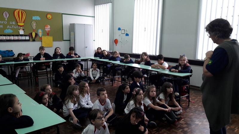 Educandos têm palestra sobre Estatuto da Criança e do Adolescente com Conselheira Tutelar
