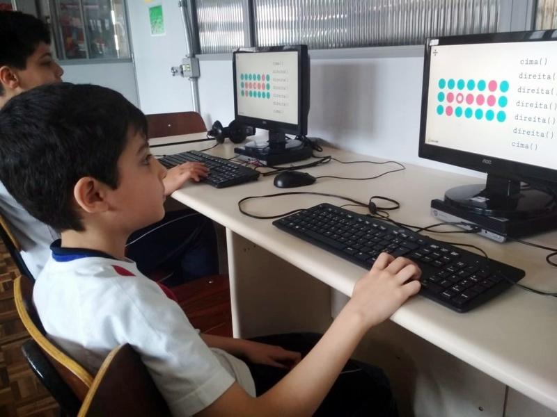 Programação com toxicode: educandos aprendem comandos através de jogos