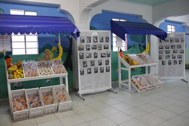 Educandos dos 3ºs anos promovem Feira Livre para as famílias, no Colégio Sagrado Coração de Jesus
