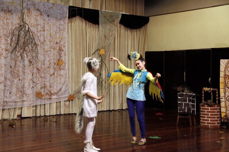 """Peça """"O Jardim Secreto"""", do Grupo de Teatro Sagrado Arte, encanta educandos e educadores"""
