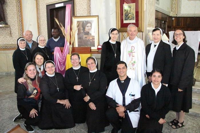 Viva Madre Clélia: Uma Celebração de gratidão