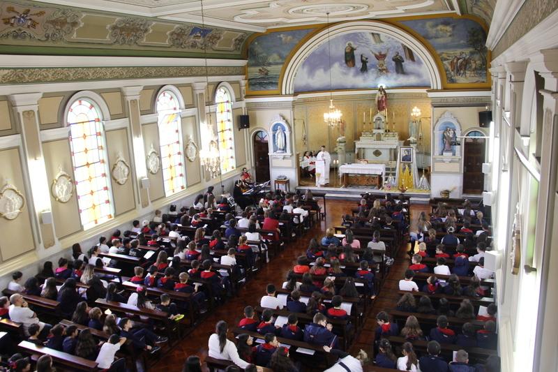 Dia de Madre Clélia: Comunidade Educacional participa de Santa Missa em Ação de Graças pela vida de nossa fundadora
