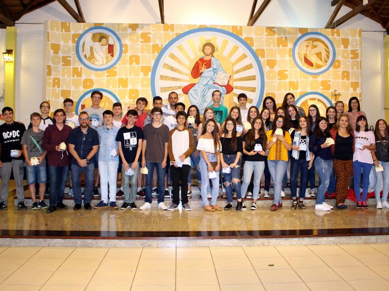 Os 9ºs anos da Unidade Educacional Escola São Domingos realizam Celebração de Ação de Graças