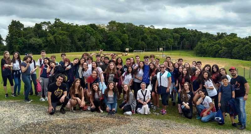 Educandos dos 9ºs anos comemoram transição para o Ensino Médio com tarde de confraternização