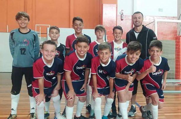 Time de Futsal do Imaculada é Campeão da Super Liga Escolar de Curitiba