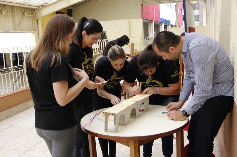 Pedagogia invertida: educadores viram educandos durante a 3º Reunião Integrada Pedagógica - RIP e vivenciam a Cultura Maker