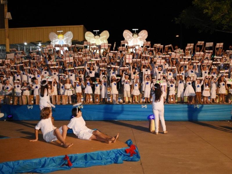 Unidade Educacional Escola São Domingos realiza a Cantata de Natal em Torres