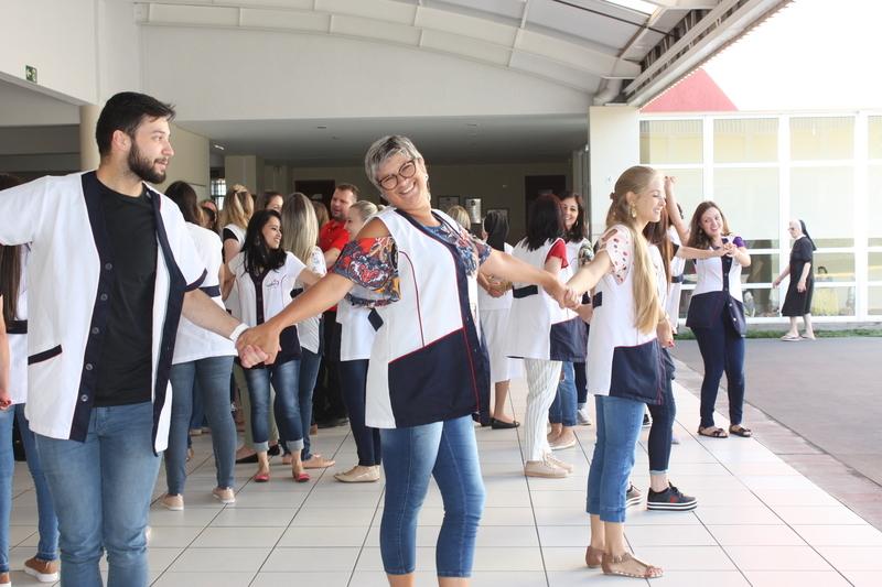 Animação, criatividade e alegria marcam a acolhida dos Educadores no Sagrado PG