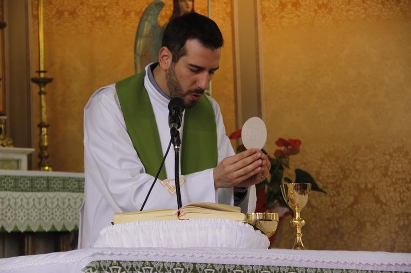 Missa Solene em honra ao Sagrado Coração de Jesus reúne educandos, educadores e pais no Colégio Sagrado, em Curitiba