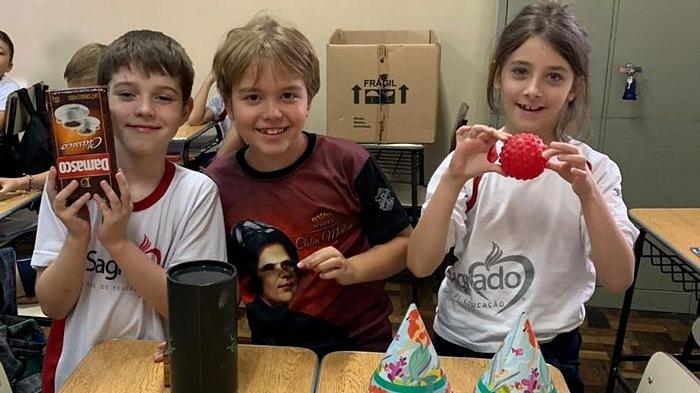 3ºs anos aprendem sobre Sólidos Geométricos Espaciais