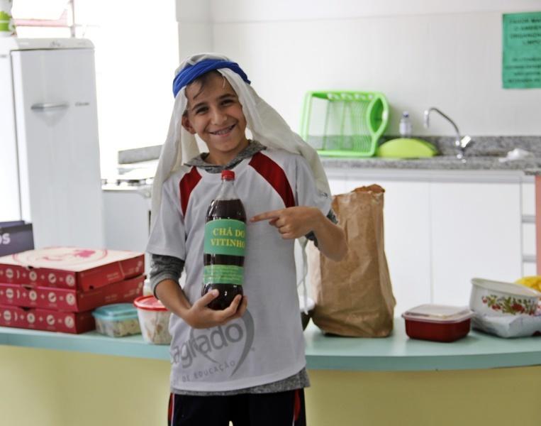 Educandos do 7º ano preparam delicioso Café Árabe na aula de História