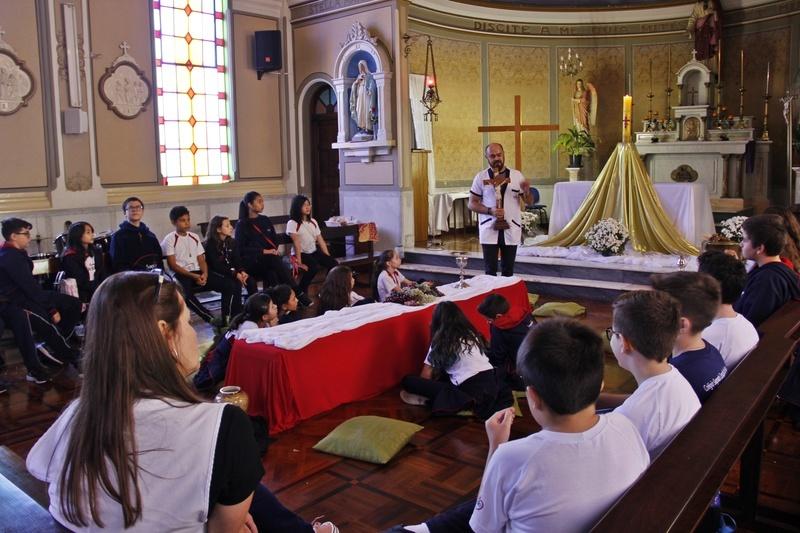 Momento Pastoral: educandos vivenciam o Tríduo Pascal em preparação para a Semana Santa