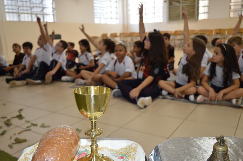 Celebrando a Páscoa no Colégio Coração