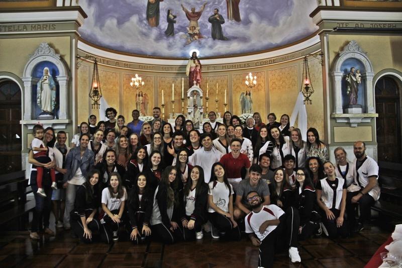 """Educadores e educandos do """"Terceirão"""" 2019 participam de Celebração Pascal no Colégio Sagrado, em Curitiba"""